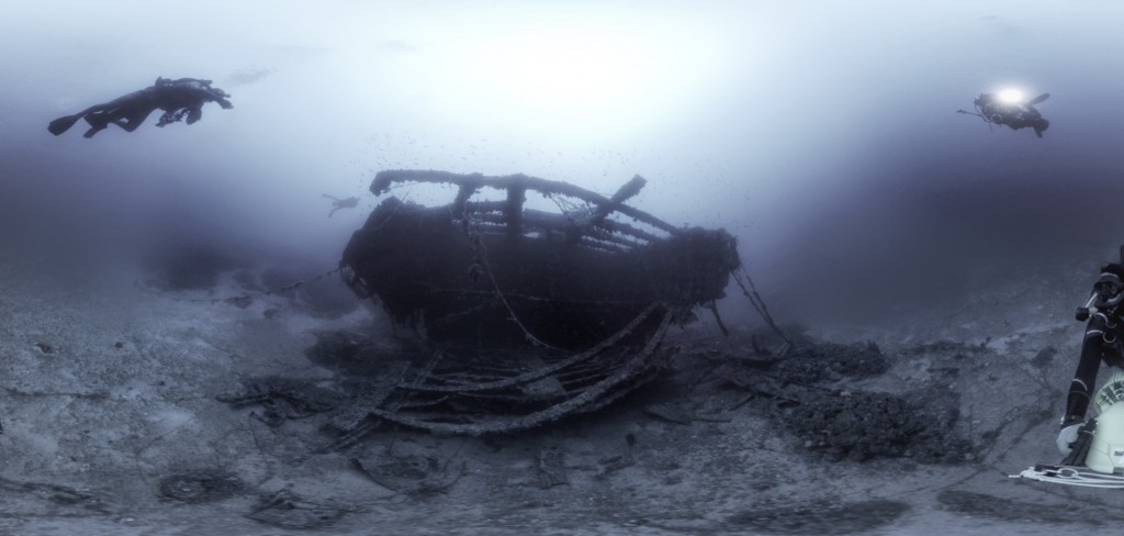 VR 360 -360 UNDERWATER PATRIS SHIP WRECK VIDEO-SERVICE